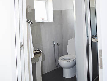 amaranthebay_standard_room_bathroom