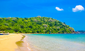 trincomalee-beach-300x195